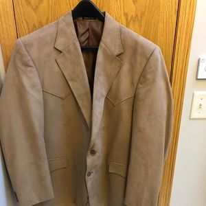 Camel colored circle S men's sport coat.